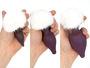 指掛けフックは共通仕様のため、アナルプラグ側のサイズを選びません。快感刺激も自由に選べるのが魅力。